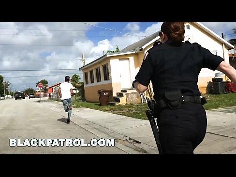 NEGRO de la PATRULLA - no ser negro y sospechosas alrededor de los policias, o de lo contrario