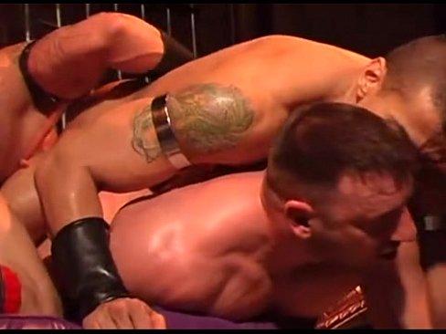 Interracial orgia video