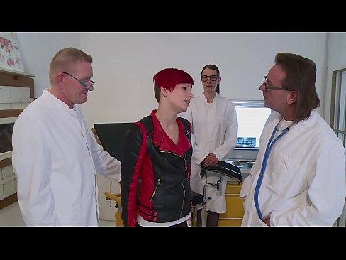 beim frauenarzt gefickt