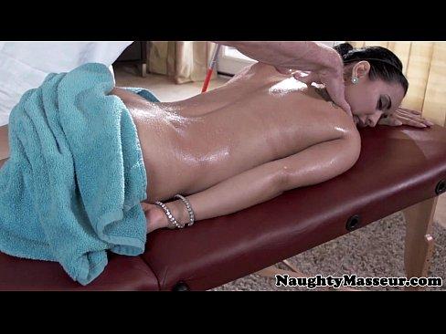 Isis Love fucks her blind masseur