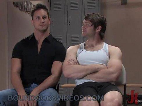 Muscular Latino Couple Bareback In Gym