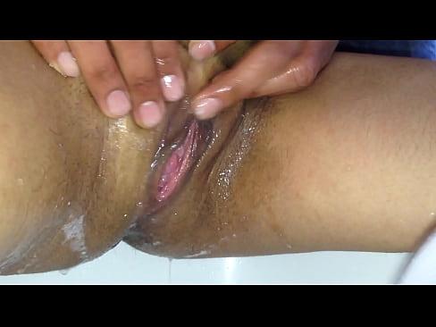My girlfriend Washing Pussy