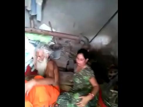 Kasmirir girl porn gallery