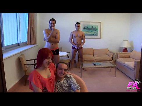 Ma premiere DP: Pamela, cul-vierge, perce par deux queues en meme temps