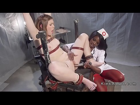 Machine lesben sexo orgasm