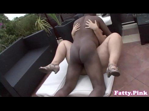 Curvy bbw interracially fucked outdoors