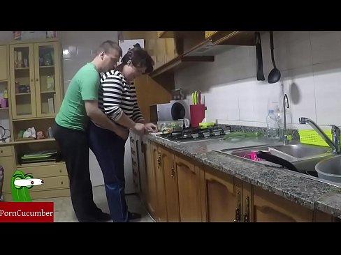 La cocina del amor& la follada del aperitivo&Vídeo casero ...