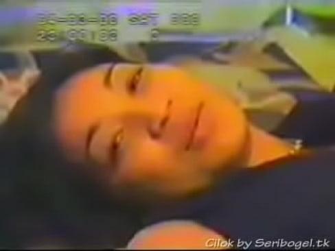 Video seks lucah Wan Nor Azlin - scene menyanyi atas katil