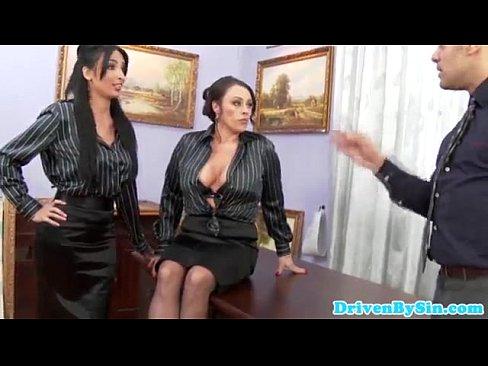 penis-nude-photos-of-chloe-kardashian-fucking-split-pussy
